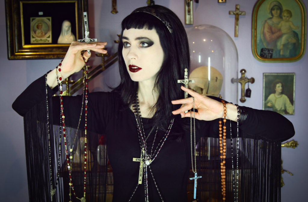 Tiffany Bennett and rosaries
